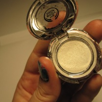 The Body Shop eye shimmer no. 1