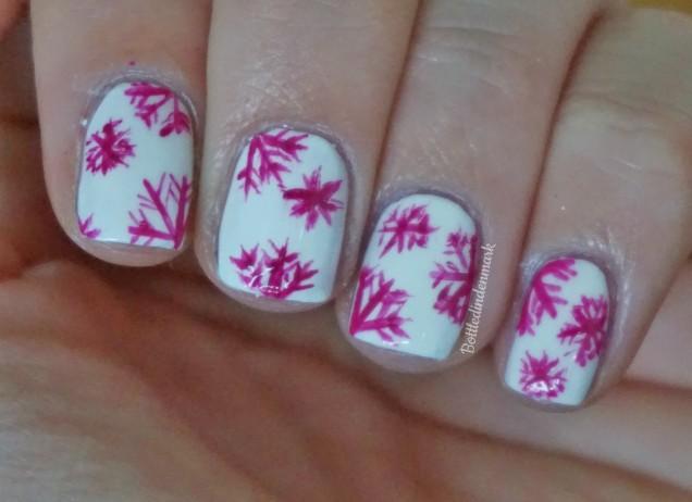 pink-snowflakes-1