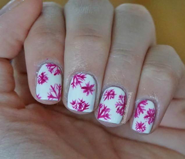 pink-snowflakes-2