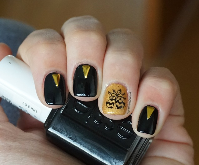 Black and Gold Bells 1