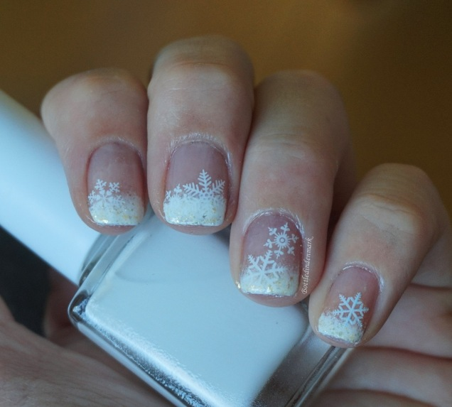 Gradient French Tip Snowflakes 1